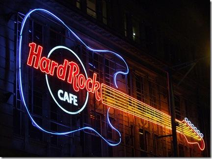 Ce type de guitares Hard Rock Cafe n'est pas conseillé pour débuter - Photo JootJoot